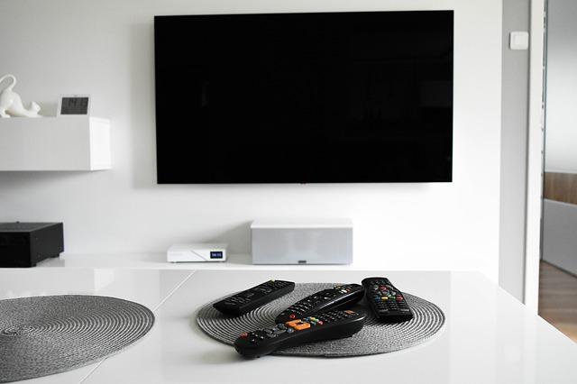 TV s plochou obrazovkou