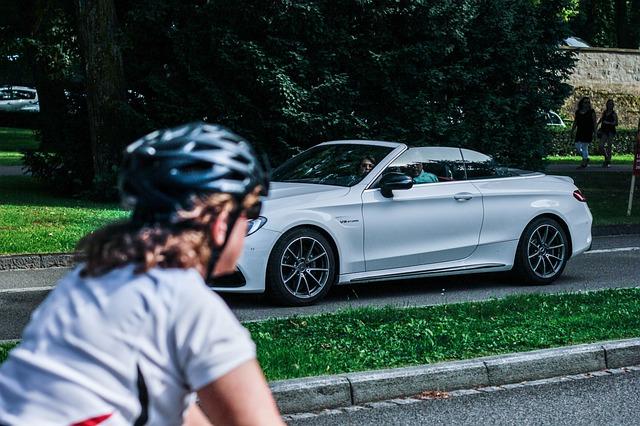 řidič a cyklista.jpg