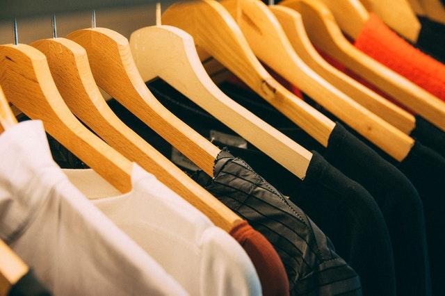 Pověšené oblečení